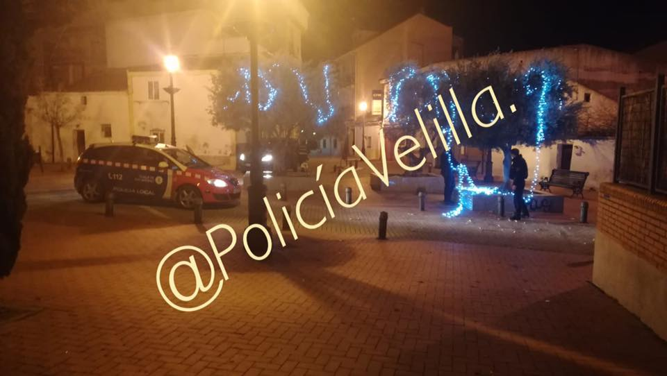 nochebuena_policia_local_velilla_2.jpg