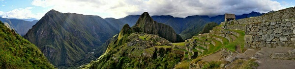 un_24_de_julio_del_ao_1911_800px-95_-_machu_picchu_-_juin_2009_single_image.jpg
